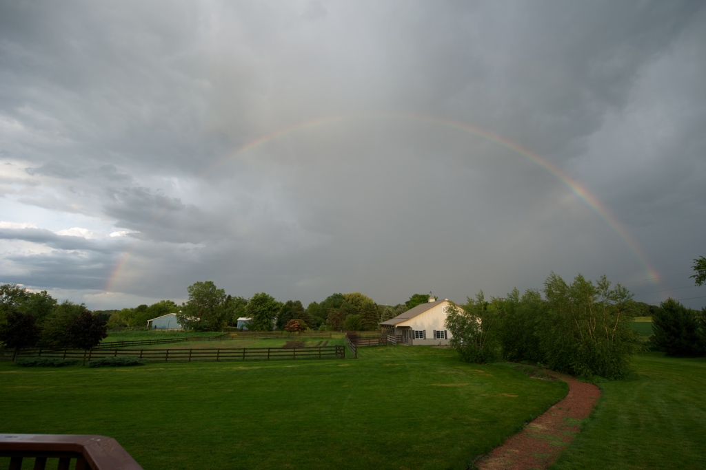 rainbow.barn